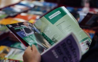 王府学校举办国际教材展示交流活动